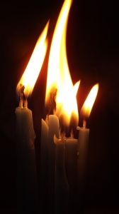 candles-1023063_640